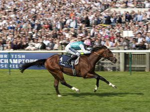 Frankel Winning the 2,000 Guineas